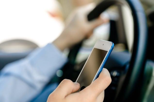hamstead-williams-shook-distracted-driving-smartphone.jpg